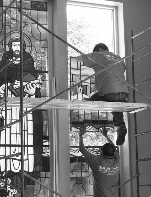 Cavallini (Barbara) Installing Stained Glass